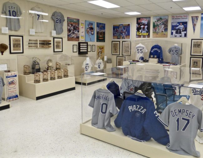 Mike PIazza Jacket Sports Museum Los Angeles