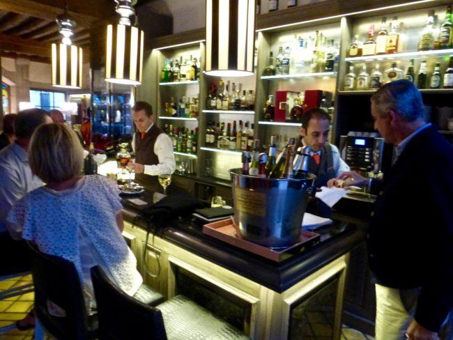 hotel-le-cep-bar-beaune-france-1