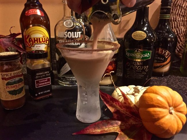 pumpkin-pie-spice-vanilla-vodka-martini-2-1
