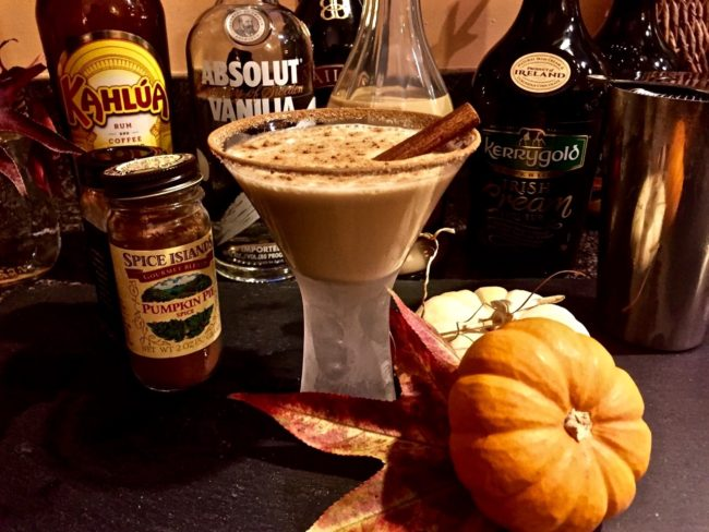 pumpkin-pie-spice-vanilla-vodka-martini-3-1