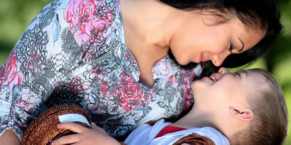 Mom_son-hug