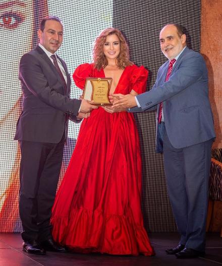 """""""أرض المبدعين"""" تختار سارة أبي كنعان كأفضل ممثلة لبنانية!"""