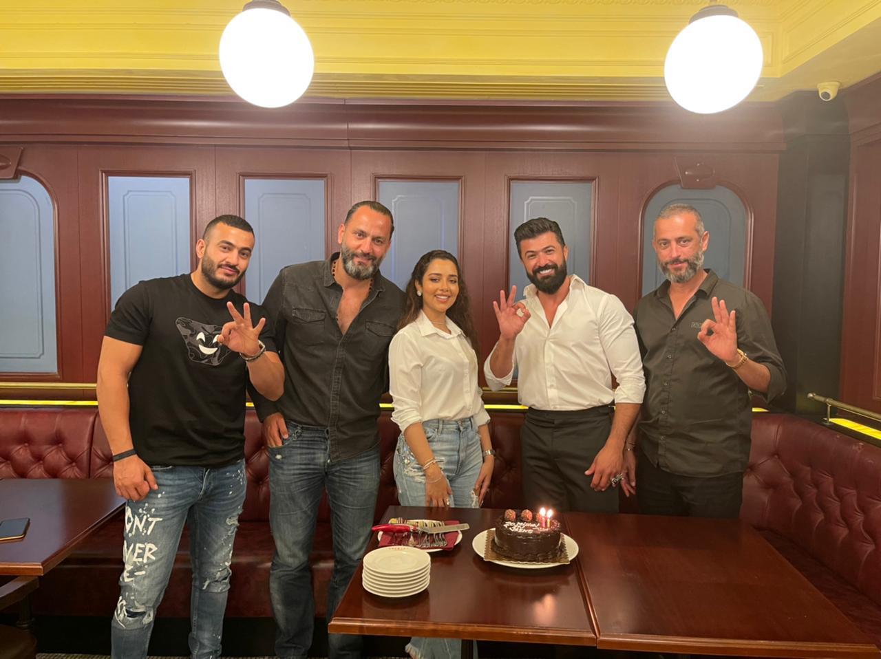 سيف نبيل وبلقيس فتحي يحتفلان بالـ 20 مليون!