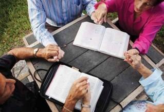 biblestudygroup-s11-319x218