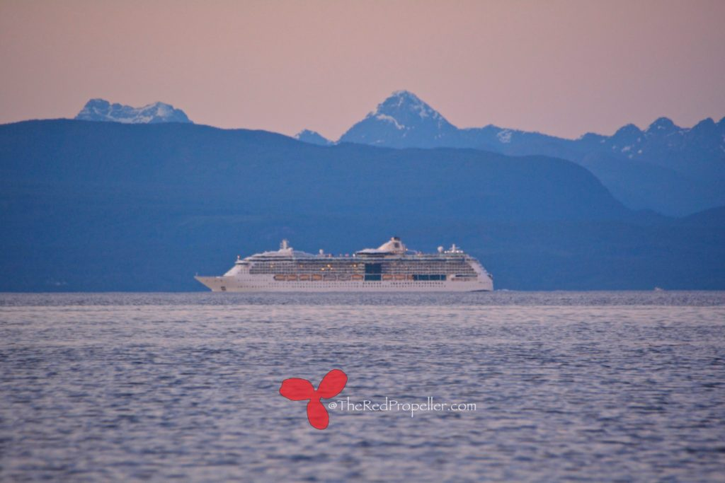 Cruise ship!!