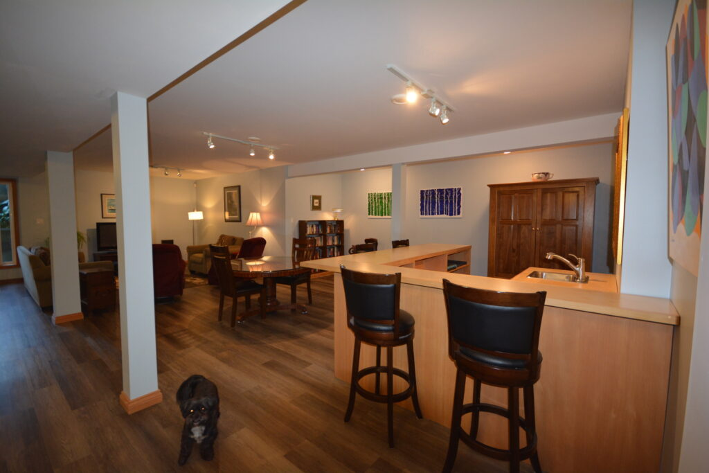 Bar area and games room