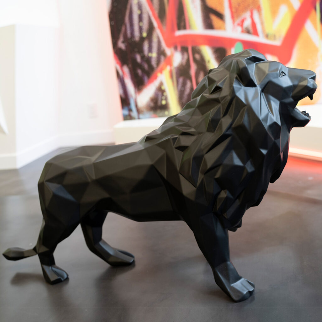 lion-matt-black