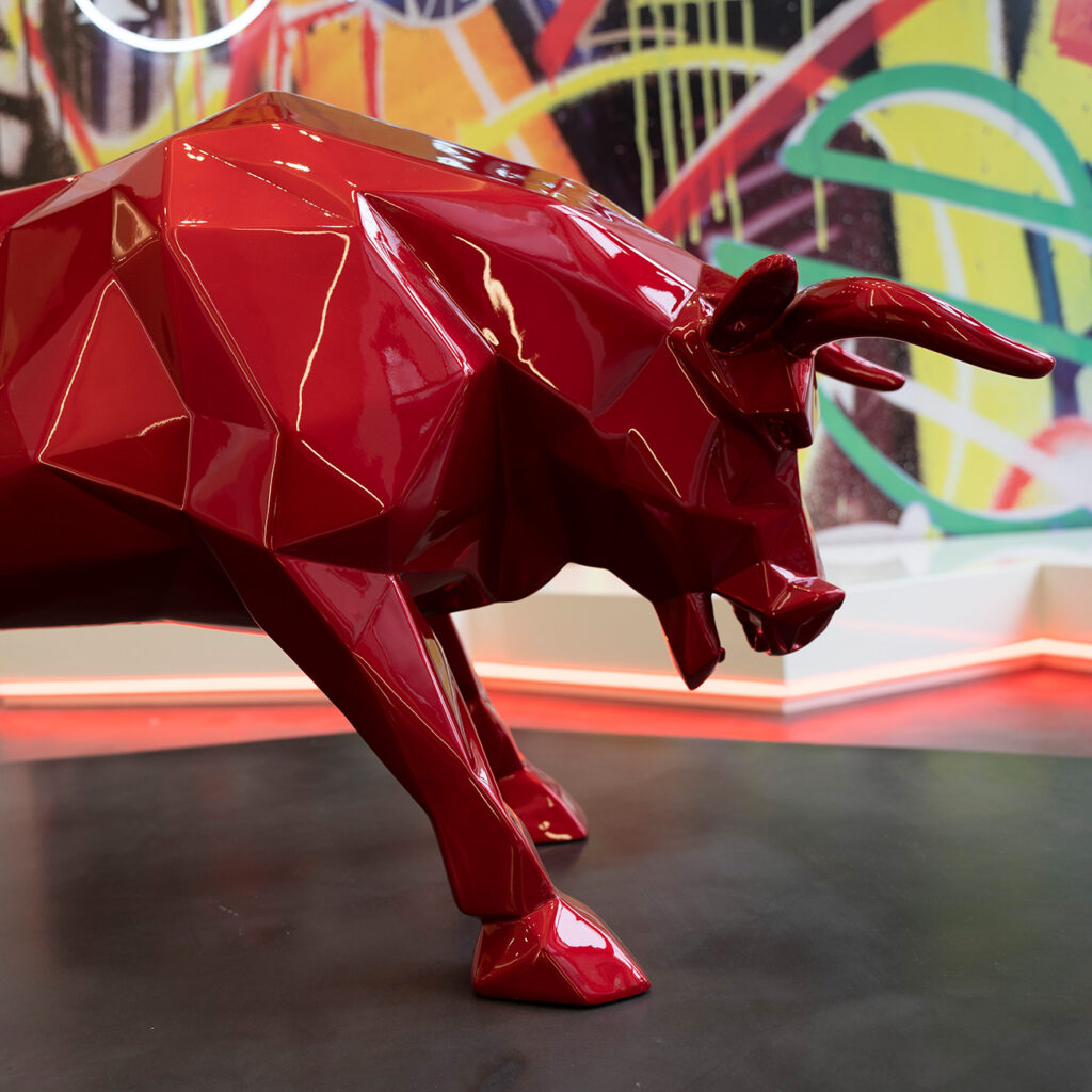 red-flame-bull-richard-orlinski-