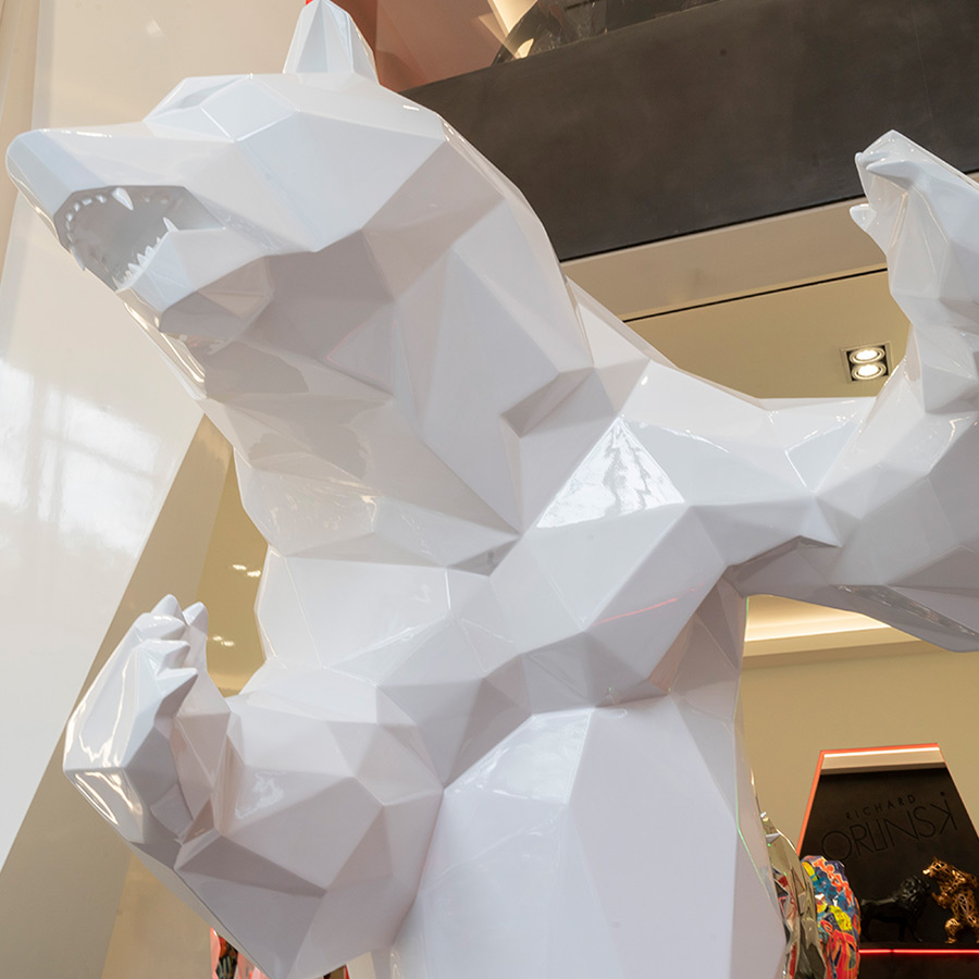 shiny-white-standing-bear-richard-orlinski-galeria