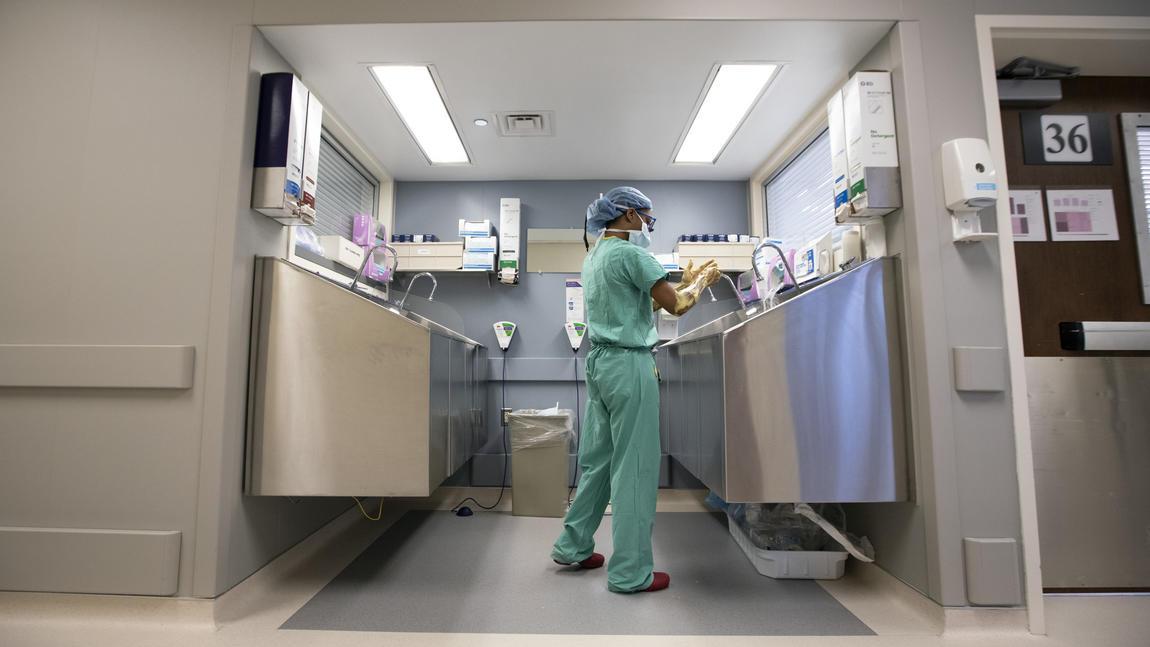 ct-life-northwestern-african-american-female-transplant-surgeon-photos-20190227.jpg?time=1594577824
