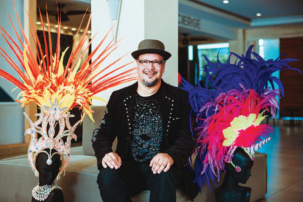 Andrew Curiel – e Diseñador & Gran ganador den carnaval 65