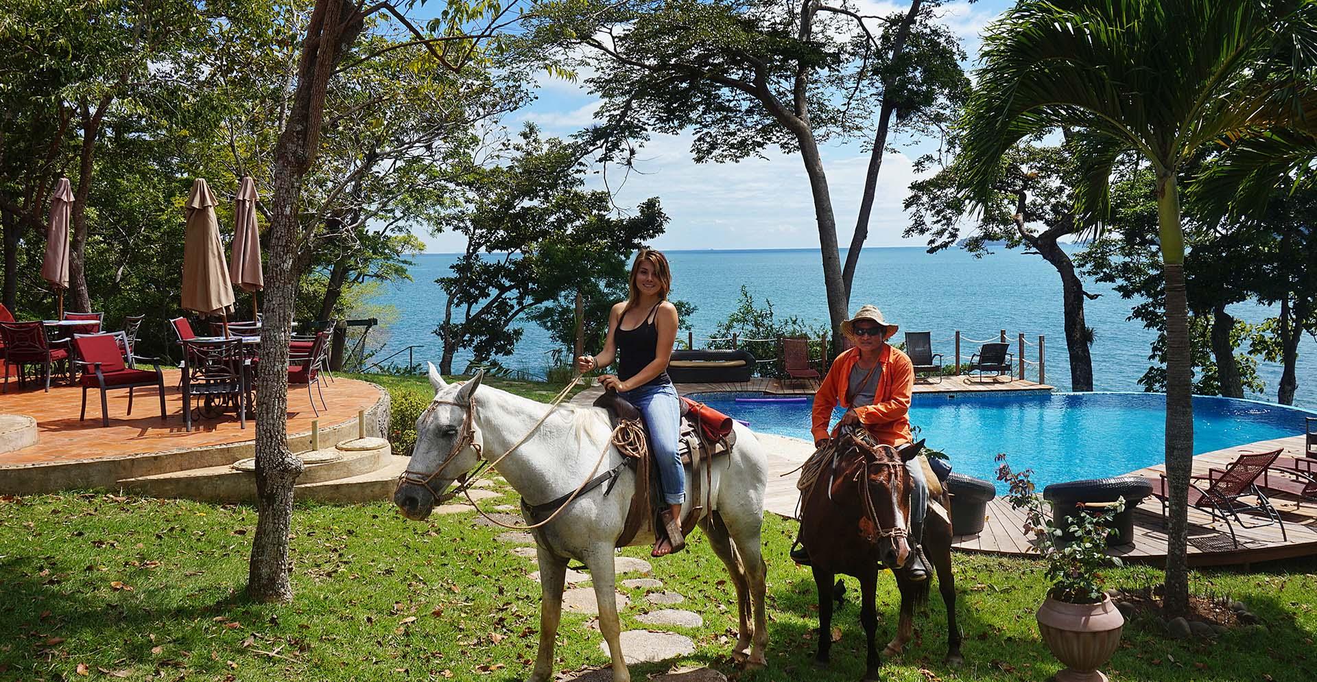 jungle horseback riding tours in Panama