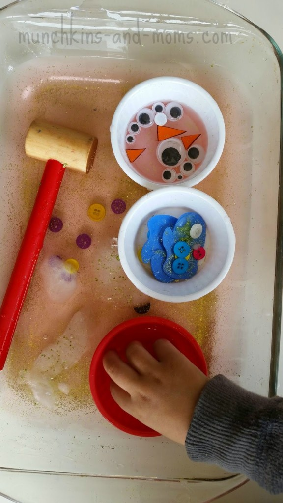 Snowman sensory activity | Sensory experience and sorting practice!