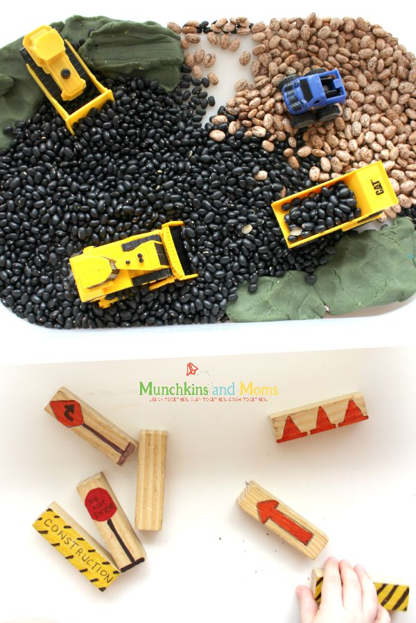 Construction Zone small world play (with DIY traffic signs for environmental print!)
