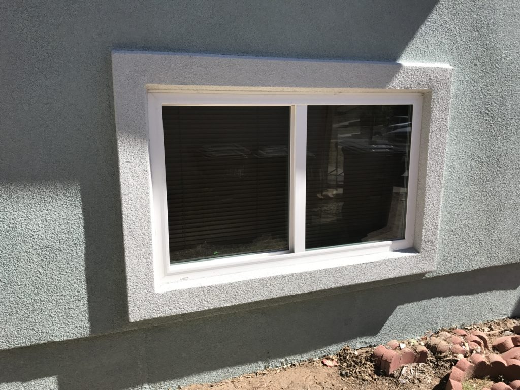 Simonton Slider Window / Parex USA Stucco