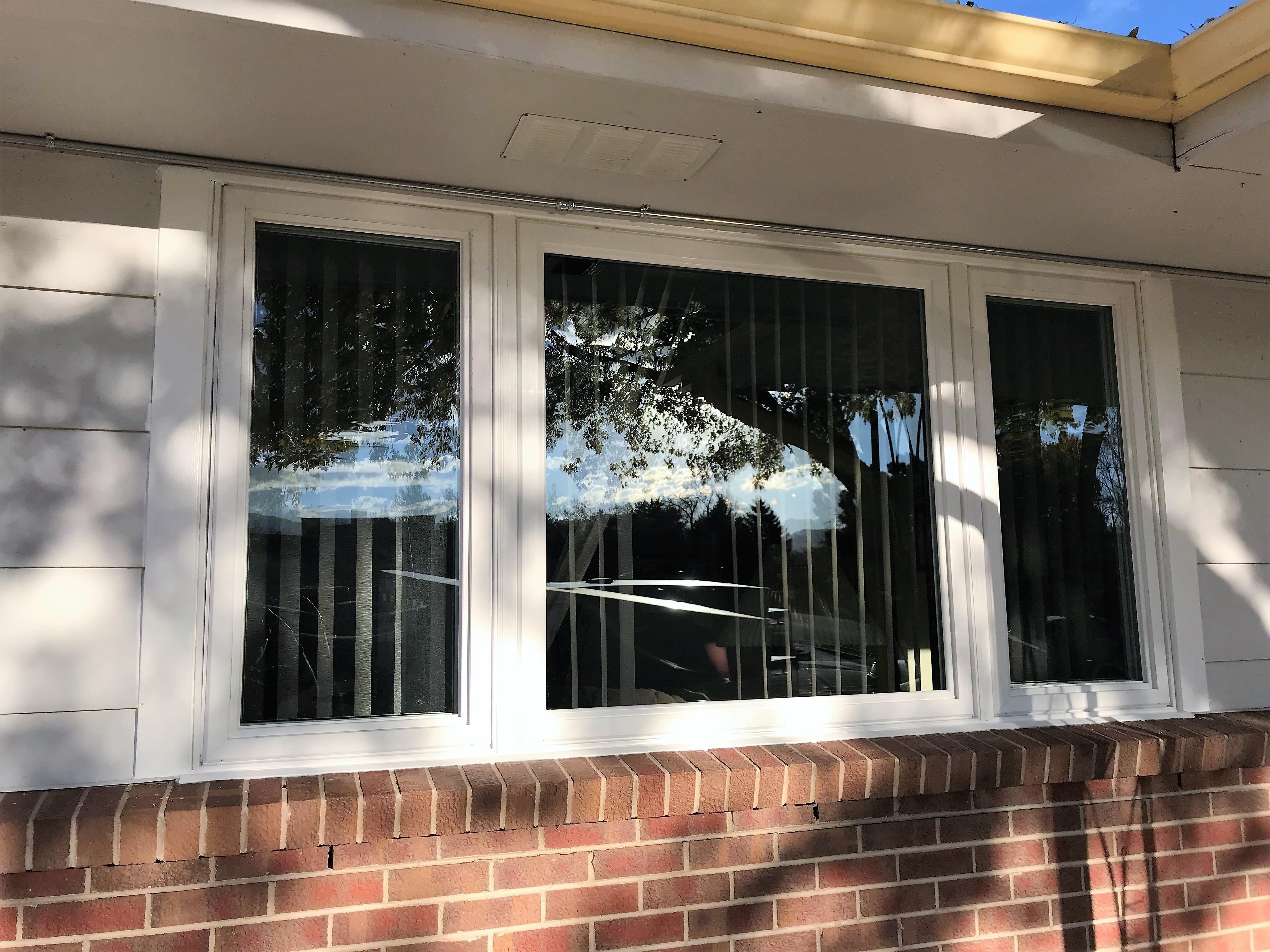 Simonton Reflections 5500 Three Lite Casement Window
