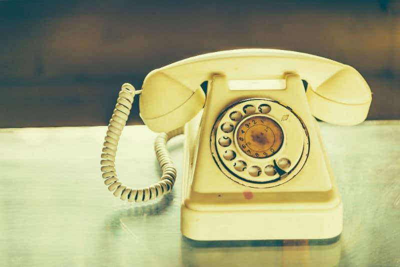 Retro phone contact