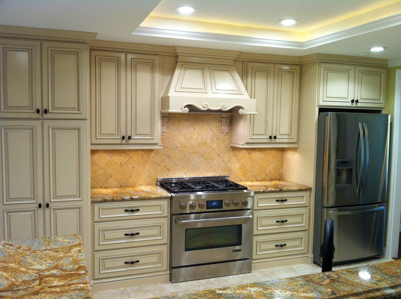 Kitchen cabinet 16 shown with cope and stick C101, RPAM2, AIM1 and OE2 cabinet doors in Soft Maple, Paint Grade with MDF Panel