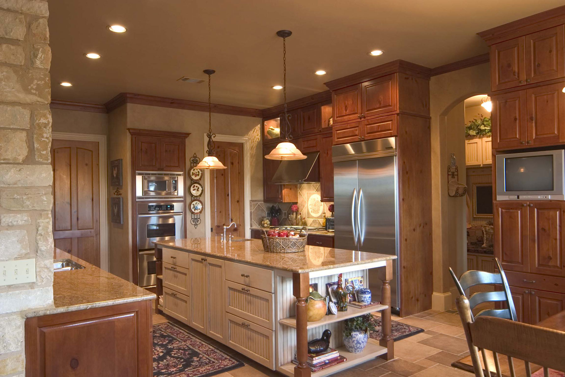 """Kitchen cabinet 6 with C101 - OE4, IE1, RP1 in Alder, Knotty and C101 - OE4, IE5, FP3/8"""" VG in Soft Maple, Paint Grade with MDF Panel cabinet doors"""
