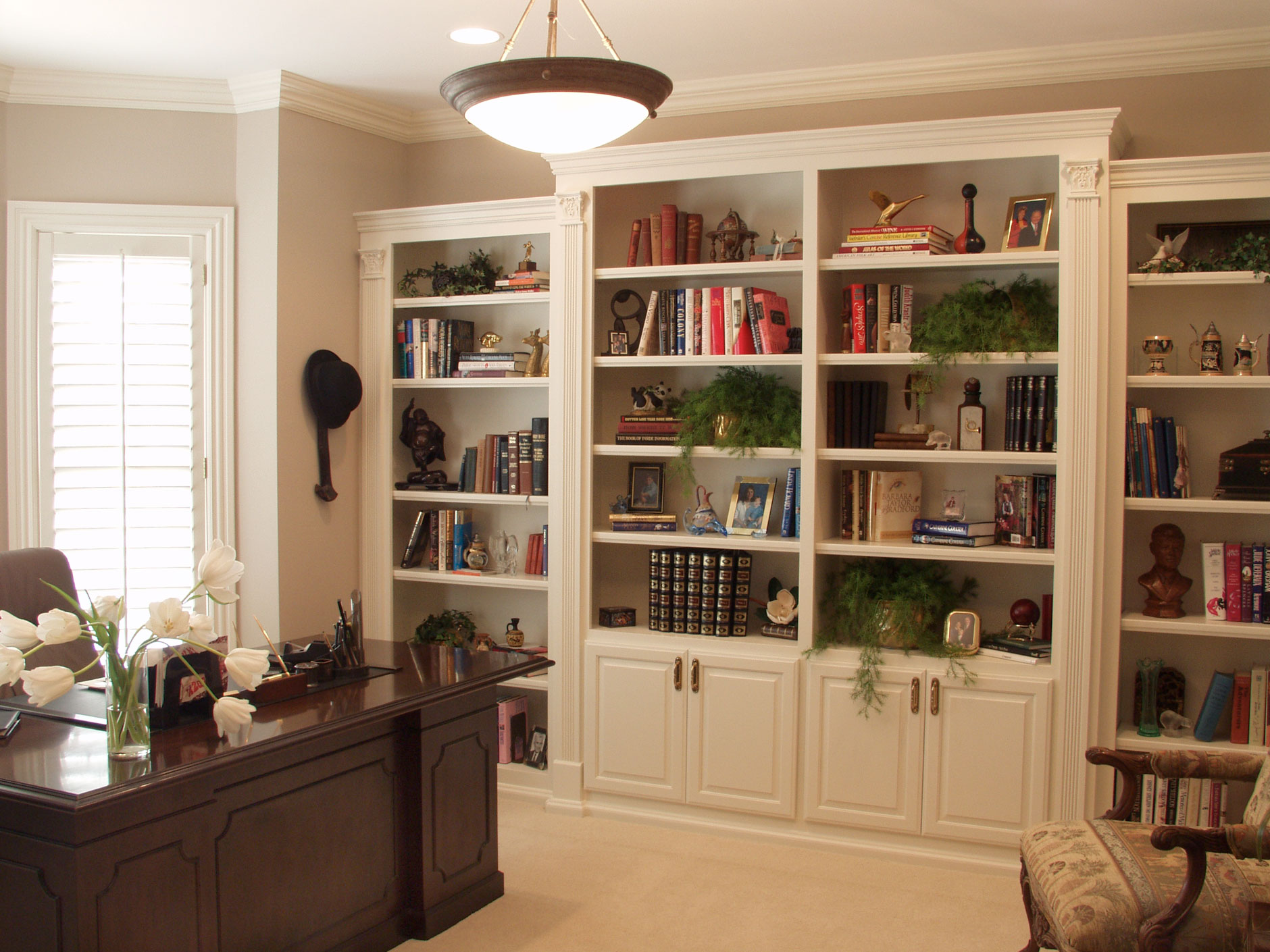 Office bookshelf shown with C101 OE8, IE1, RP1 cabinet doors