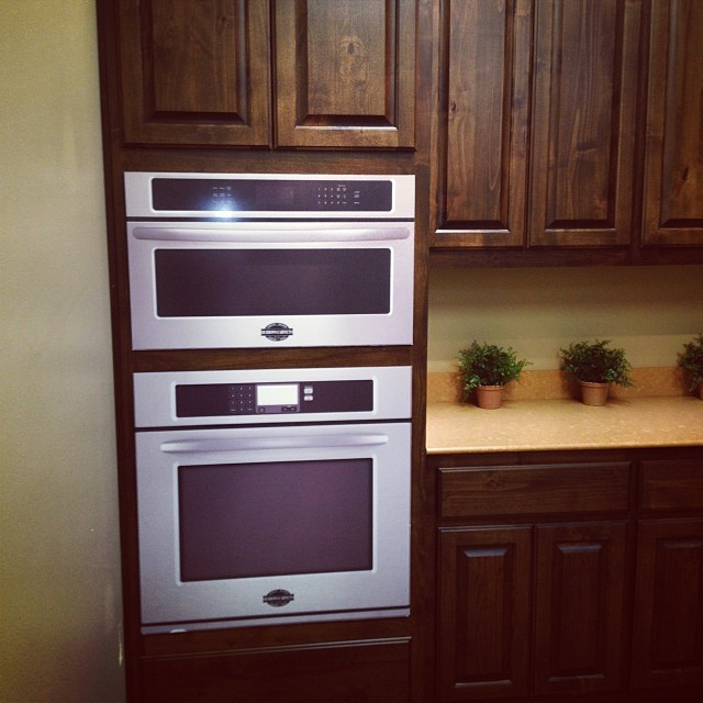 wall oven prop by TaylorCraft Cabinet Door Company