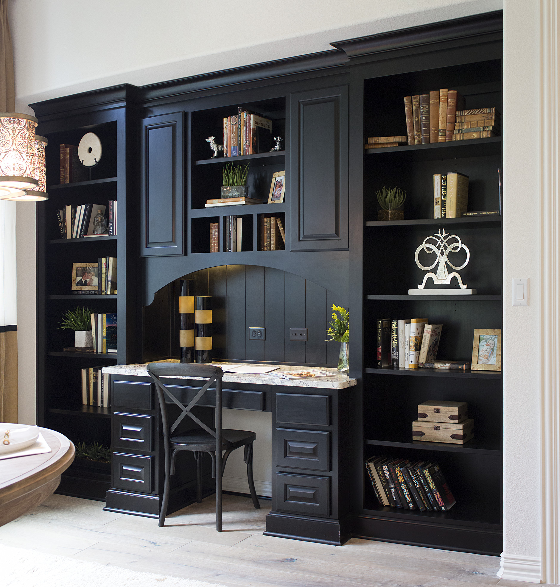 Dining room workstation with built in desk and bookshelves