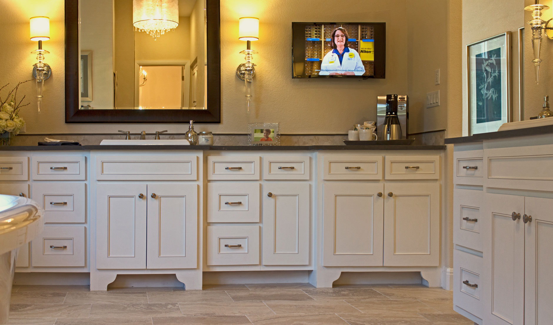 master bath with TaylorCraft Cabinet Door Company MW15 frame and flat panel cabinet doors