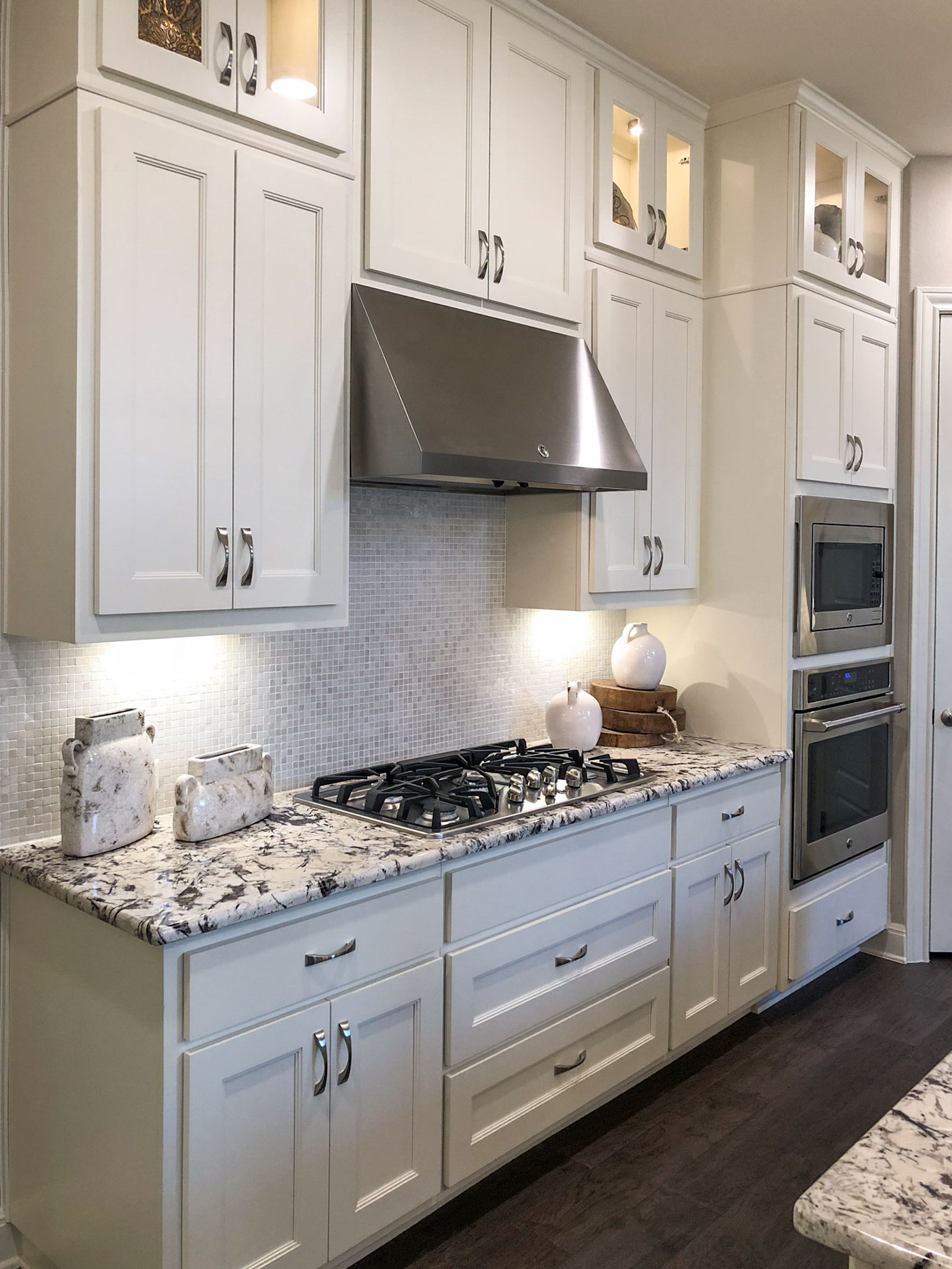 Large Drawers Under Cooktop Kitchen