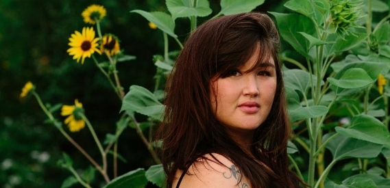 Photo of photojournalist and full spectrum doula Heather Gallagher