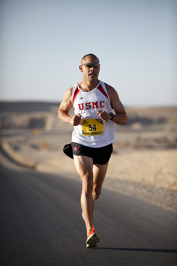 -absolutely_free_photos-original_photos-man-is-running-3744x5616_52624
