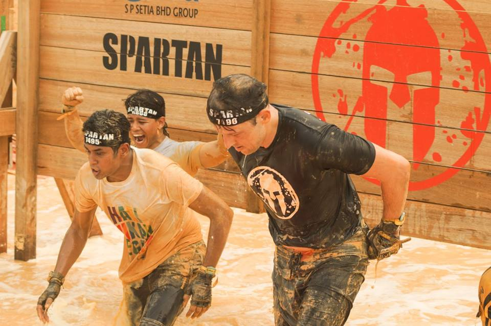 Spartans don't give up, they keep pushing on with Khairy Jamaludin on the course. Photo from Spartan Race MY