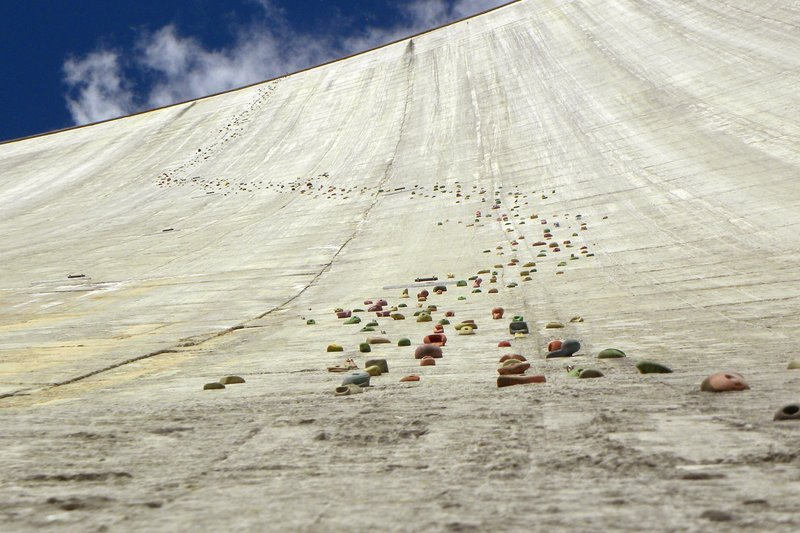I'd be dam-med climbing this wall in Switzerland © Lollo Riva/Getty Images