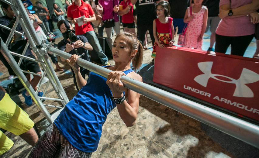 Under Armour Malaysia's Brand Athlete, Nana al Haleq continued to test her will at the 1-minute pull-ups.