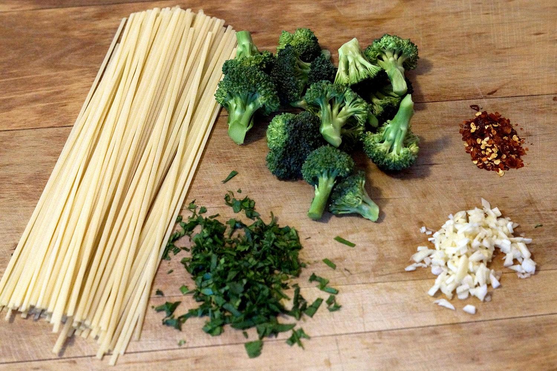 Shrimp and Broccoli Linguine Ingredients