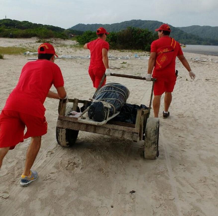 Photo of Corpo de pescador foi encontrado perto de trapiche na Ilha do Mel