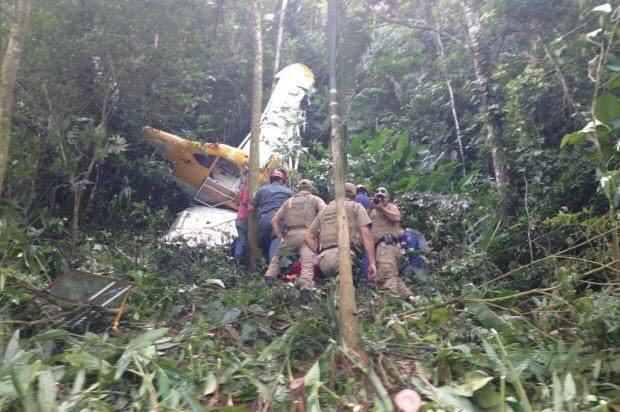 Photo of Avião cai na divisa do PR e SC