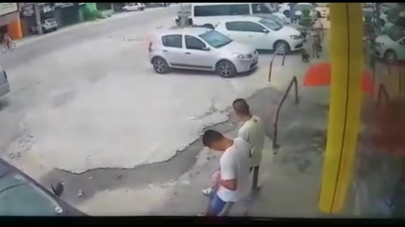 Photo of Câmeras flagram assalto a empresário em Pontal do Paraná