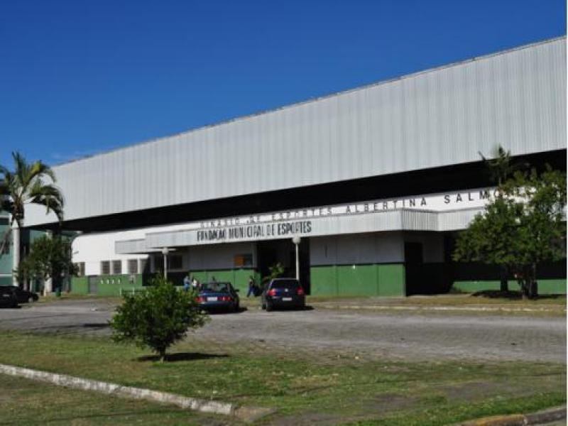 Photo of Projeto oferece serviços gratuitos no ginásio do aterro em Paranaguá