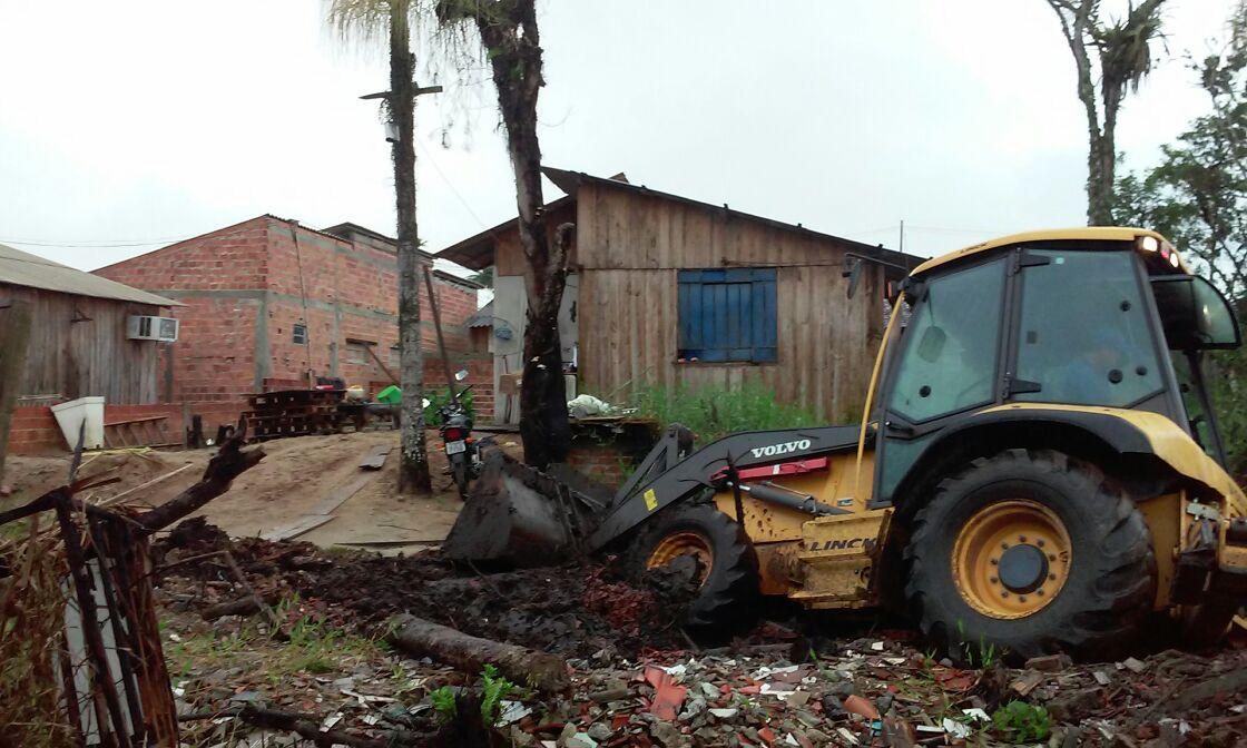 Photo of Prefeitura segue demolição de construções em área de mangue