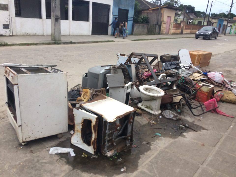 Photo of Lixo toma conta do Valadares
