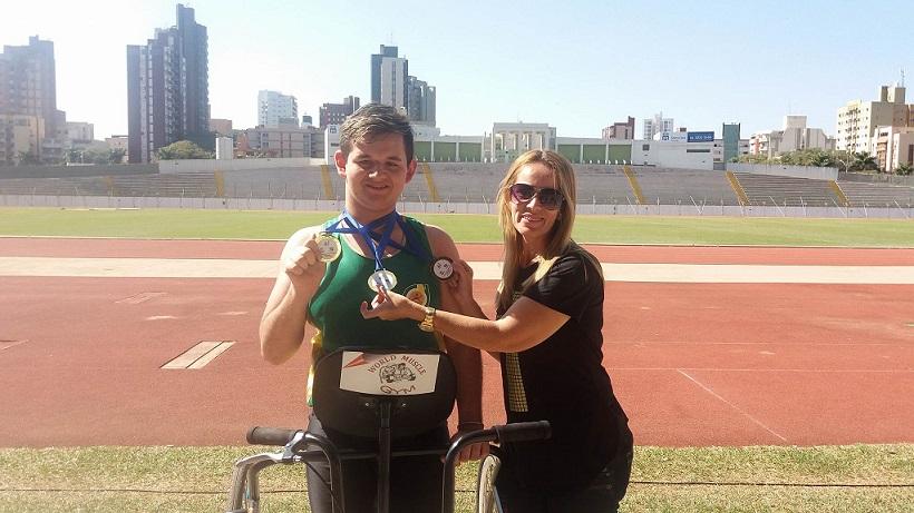 Photo of Vinícius conquista três ouros no Paranaense de Atletismo