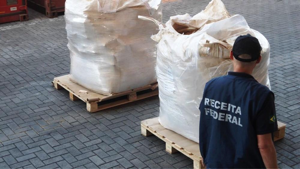 Photo of RF apreende mais de uma tonelada de cocaína no Porto de Santos