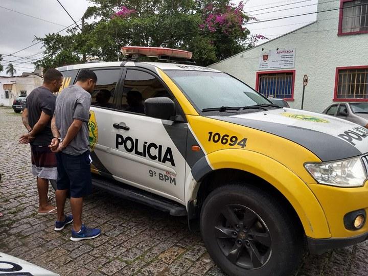 Photo of PM prende suspeitos com arma de fogo no centro de Paranaguá