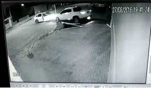 Photo of VÍDEO: Empresário reage à tentativa de assalto em Paranaguá