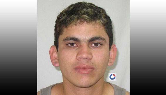 Photo of Rapaz é preso na rua após arrombar casa no Vale do Sol em Paranaguá