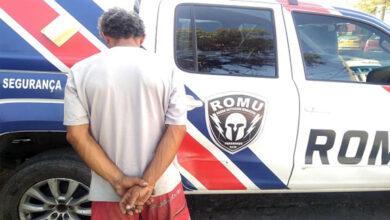 Photo of Homem é flagrado com pedras de crack no Centro Histórico de Paranaguá