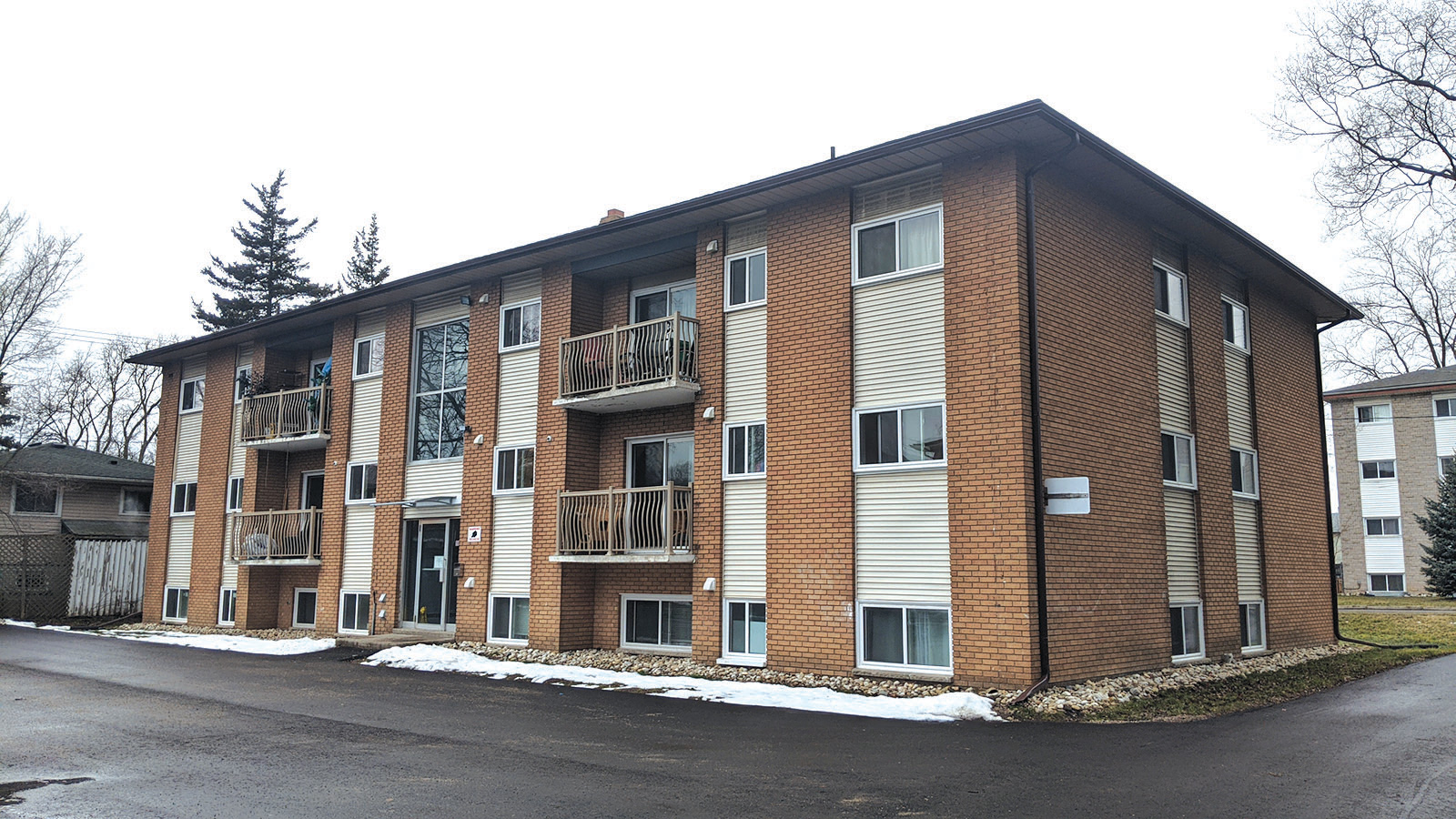 11 Unit Apartment Building