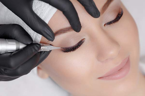 eye liner and eyelash enhancement