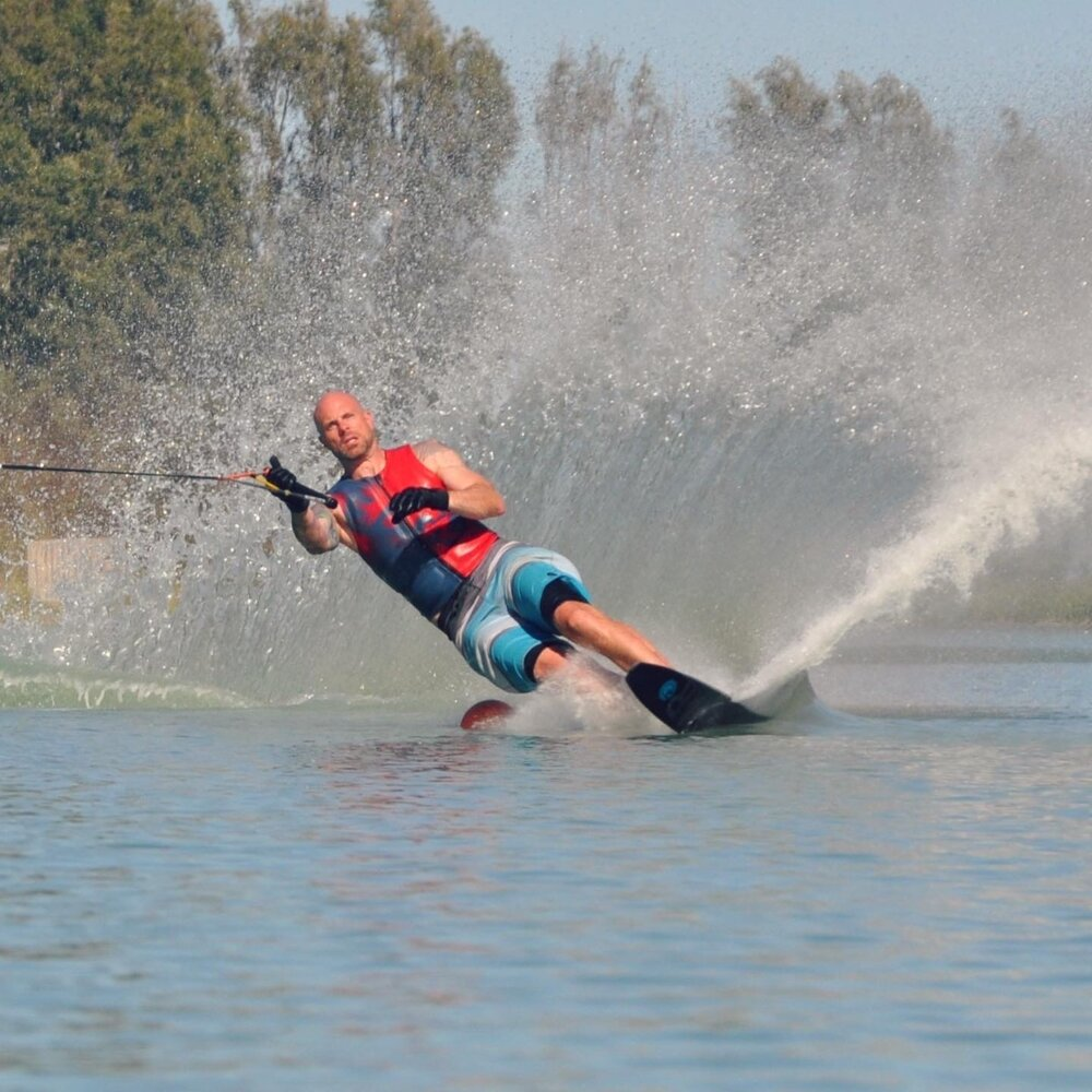 Evan Moore water skiing