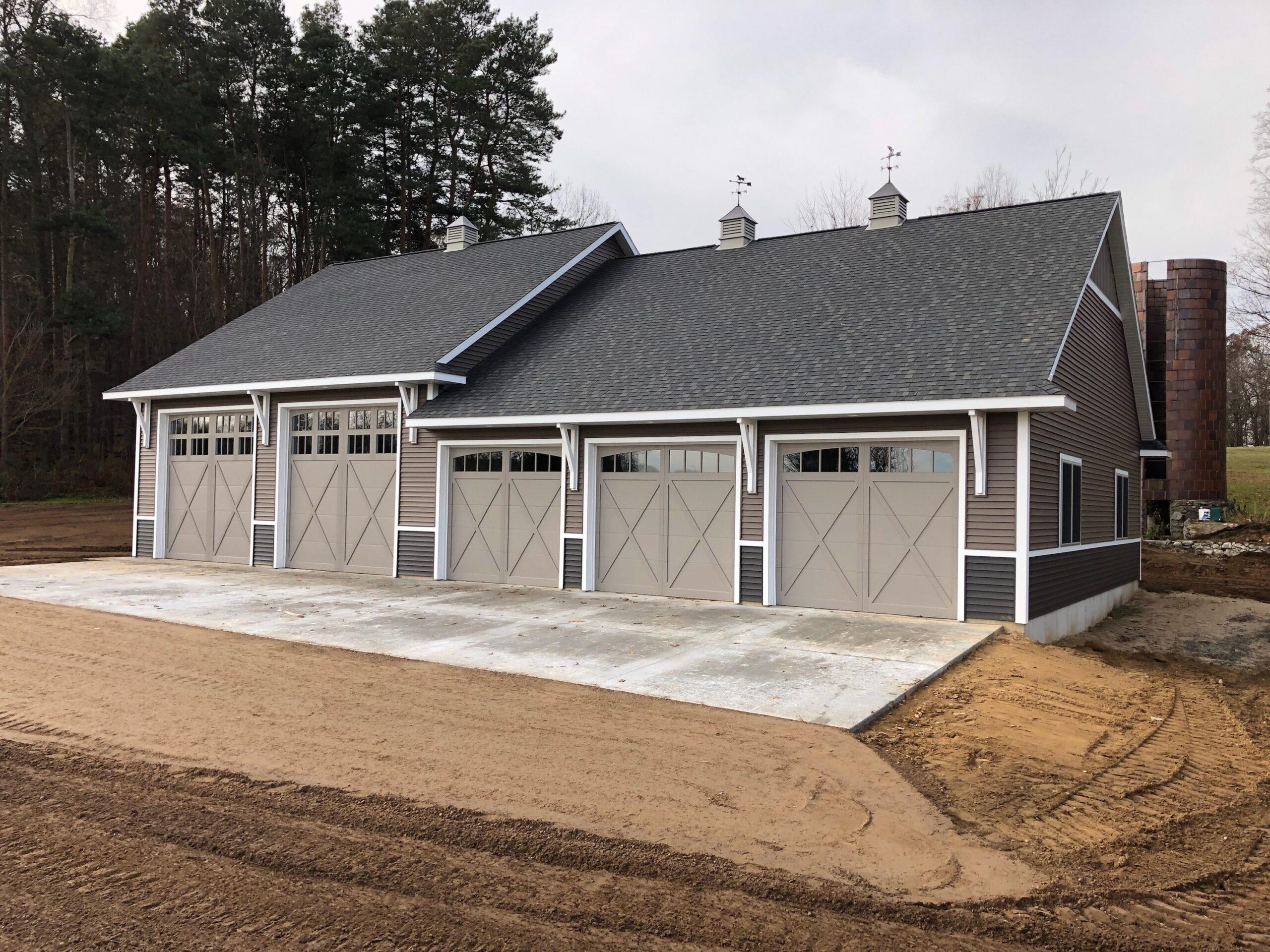 Dorr Barn with 5 Doors Front View